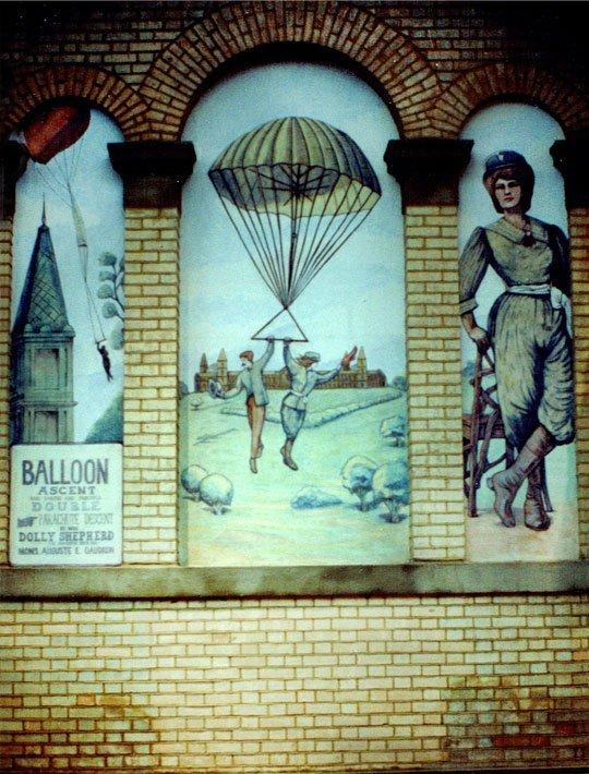 00100_Parachute_WEB