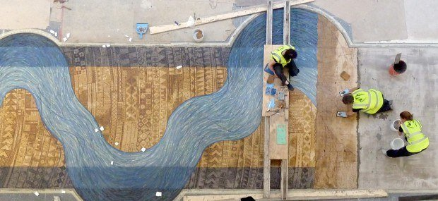 Fixing a floor mosaic using the paper-faced technique