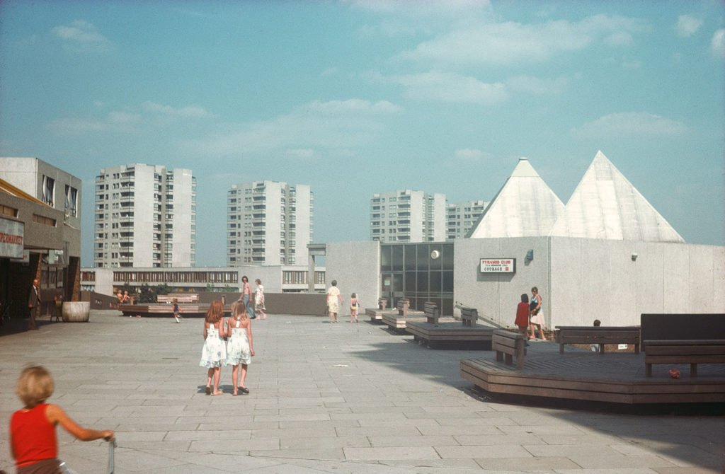 Thamesmead in the 1960's - town of the future
